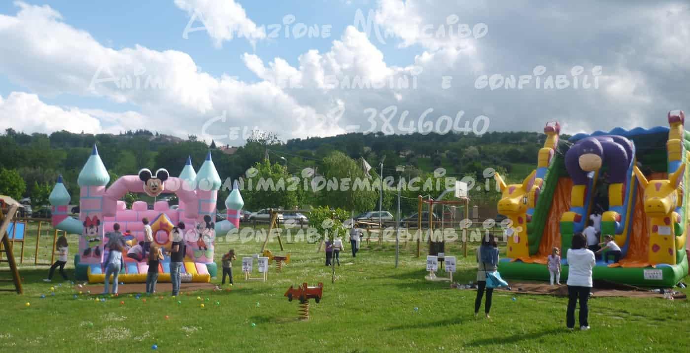 Gonfiabili bambini noleggio Ancona Macerata affitto giochi scivoli gonfiabili Pesaro Fermo Perugia Foligno Ascoli