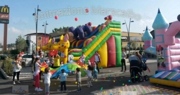 Noleggio gonfiabili Macerata provincia Recanati Tolentino giochi per bambini affitto